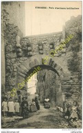 13. EYGUIERES .  Porte D'anciennes Fortifications .  CPA Animée . - Eyguieres