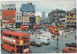 London: FORD CORTINA MK3, BEDFORD CF VAN, FIAT 125, ROVER 2000 TC2, DOUBLE DECK BUSES, 'VW' Neon - Piccadilly Circus - Toerisme