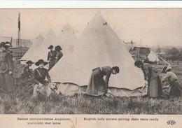 Dames Ambulanciéres Anglaises Installant Leur Tante - Guerre 1914-18