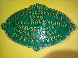 PLAQUE ÉMAILLÉE DE CONCOURS DE BESTIAUX 1996 N.G. DE GRAVENCHON GÉNISSE GRASSE CHAROLAISE 2 à 4 DENTS 1er PRIX CANTON - Ironwork