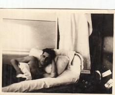 UKRAINE. #1149  A PHOTO. YOUNG MAN LIES ON BED. .  *** - Proyectores De Cine