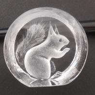 Ecureuil -Squirrel : Petit Presse Papier - Sculpture En Relief - Cristal - Full Lead Crystal  By Mats Jonasson Sweden - Verre & Cristal