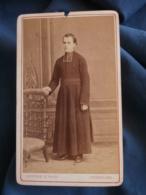 Photo CDV  Gustave à Angoulême  Religieux  Jeune Prêtre En Pied (Pascaud)  CA 1870-75 - L436 - Photos
