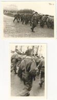 57 DIEUZE - PHOTO - 2 Photos Défilé Des Parachutistes A La Caserne Le 24 Avril 1964 - Taille Cpa Moselle - Dieuze