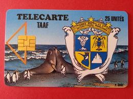 TAAF N° 1 - 25u Elephants De Mer Armoiries Manchôts Empereurs 1000ex MINT Neuve Kerguelen - TAAF - Franse Zuidpoolgewesten