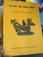 Tin Hat And Animal Money Coin Bank Note Shaw & Kassim Malaya Malaysia - Books, Magazines, Comics