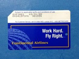 CONTINENTAL AIRLINES USA STATI UNITI SCHEDA CARTA TESSERA USATA METROCARD MTA INGRESSO METRO TRENI BUS USED CARD - Abbonamenti
