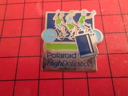 718c Pin's Pins / Rare Et De Belle Qualité /  THEME PHOTOGRAPHIE : POLAROID HIGH DEFINITION VELO CYCLISME - Fotografie
