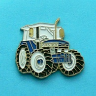 1 PIN'S //  ** MATERIEL AGRICOLE / TRACTEUR FORD SERIE 40 ** . (FRAISSE) - Ford