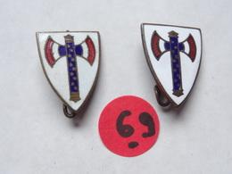2 INSIGNES ÉMAILLÉES AVEC FRANCISQUE . - 1939-45