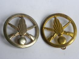 Lot De 2 Insignes De Beret - Infanterie - Coinderoux Paris - Manque Agrafe - Autres