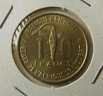 West African States 10 Francs 1975 Varnished - Münzen