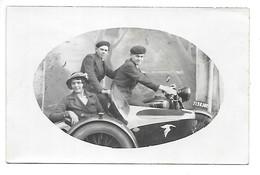Carte-photo...Moto Side-Car .. A L'embleme De L'escadrille Des Cigognes...(escadrille N° 3 Cachy )...animée... - Motos