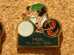 PIN'S CYCLISME VELO - LE TOUR DE FRANCE 1991  - ARZAL 16 JUILLET 91 - Cyclisme