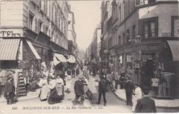 BOULOGNE SUR MER - - La Rue Faidherbe - Animée  TAMPON DE L INTENDANCE MILITAIRE   (lot Pat 64) - Boulogne Sur Mer