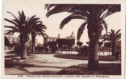 BARI-PIAZZALE STAZIONE E PALAZ. GAZZETTA- NON VIAGG. ANNI '30 - Bari