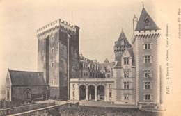 64 - PAU - L'Entrée Du Château, Cour D'Honneur - Pau