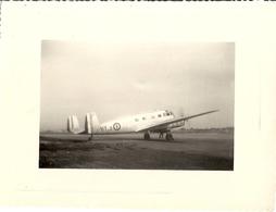 AVION  HY 3   AU SOL - Aviation