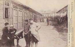 CARTE POSTALE ORIGINALE ANCIENNE : ALLEMAGNE UN CAMP DE CONCENTRATION GUERRE DE 14/18 L'AUMONIER SOUTIENT ET RECONFORTE - Guerre 1914-18