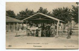 CPA  10 : MAILLY Le CAMP   Le Lavoir Avec Militaires Russes  A  VOIR  !!!!!!! - Mailly-le-Camp