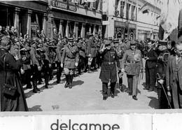 Photo  Rare - BITCHE - Remise Des Fanions Au 37éme R.C.F,  Par Le Général DE  CASTELNAU - 17 Mai 1936 - Guerre, Militaire
