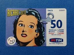 ITALIA SCHEDA TELEFONICA RICARICARD TIM USATA USED PHONE CARD - UOMO MASCHERATO DONNA 50.000 LIRE GIU 2000 - Italia