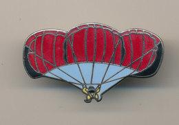 PARACHUTISTE - Parachutting
