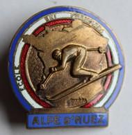 Bel Insigne Ancien émaillé Alpe D'Huez école Ski Français ESF A. Augis Lyon - Wintersport