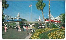 TOMORROWLAND  ENTRANCE CALFORNIA  BE  US399 - Santa Ana