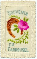Fantaisie - Carte Brodée, Envoyée De Fontainebleau: Souvenir Du Carrousel. - Brodées