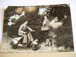 1959 - Torino - Lungarno Valentino - Coppia - Moto - Scooter -Vespa Piaggio 150 - Vera Fotografia - Moto