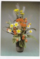 AK79 Flowers - An Arrangement In A Vase Inc. Daffodils And Tulips - Flowers, Plants & Trees