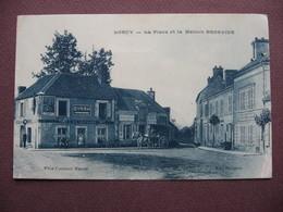 CPA 45 LORCY Place Maison BROSSIER ATTELAGE POMPE ESSENCE Publicité BYRRH & CYCLES PEUGEOT DEVELOTTE Canton MALESHERBES - France