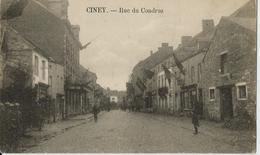 -CINEY-Rue Du Condroz, Jour De Fête ,vu Les Drapeaux Et Le Groupe De Soldat En Avant Plan à Gauche - Namur