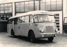 Bus Saurer/Seitz, Rotterdam, Sluisjesdijk, 1984, S.V.A. - Auto's