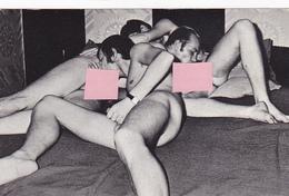 Cpa / Photo-nu-scéne érotique-porno-vintage-masculin Gay Homosexuel - 3 Hommes Fellation - Nu Masculin < 1945