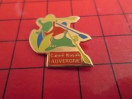 313g PIN's PINS / Rare Et De Belle Qualité / THEME SPORTS : CANOE KAYAK AUVERGNE - Canoeing, Kayak