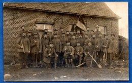 Flandres -  Carte Photo  -  Soldats Allemands Devant Une Ferme  --16-3-1915  -  Abimée Au Dos - Guerre 1914-18