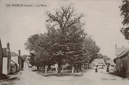 45 - La Nivelle - CPA - La Place - Autres Communes