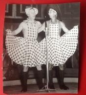 Photo. 99. Photo Originale De Vedette Prise Au Casino De Knokke Vers Les Années 1950 - Lieux