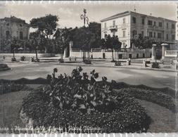 Cartolina - Postcard -  Viaggiata -  Sent  -Pesaro, Piazzale Della Libertà -  ( Gran Formato )  Anni 50° - Pesaro