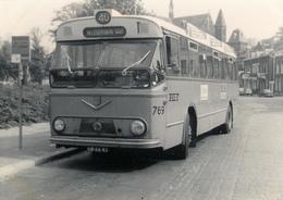 Bus Verheul VB 10-Kromhout,Foto In Schiedam, Emmaplein 1971, SVA - Auto's