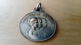 Ecole Communale D'Auderghem Médaille Commémorative Année Scolaire 1914-1915 - Belgique