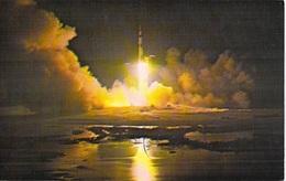 Aviation NASA Espace  JOHN F.KENNEDY SPACE CENTER The Apollo 17 Space Vehicle Dec.7 Th 1972 - Etat = Voir Description - Espace