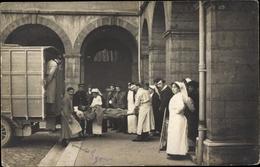 Photo Cp Lyon Rhône, Ecole Veterinaire, Hopital Auxiliare, Transport D'un Soldat Blesse - Autres Communes