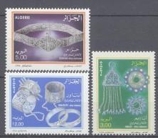Algérie N ° 1070 / 72   XX Journée De L'artisanat Maghébin.  Les 3 Valeurs Sans Charnière TB - Algérie (1962-...)