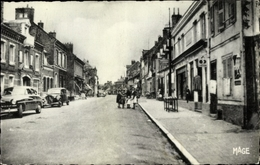 Cp Gamaches Somme, La Grande Rue - Francia
