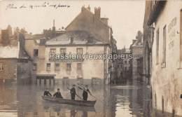 CARTE PHOTO BESANCON 1910 INONDATIONS  RUE JEAN PETIT HOTEL Des MESSAGERIES (BIERE DU VAL D'AJOL) - Besancon