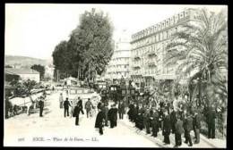 NICE - 916 : Place De La Gare - (Gros Plan Très Animé Avec Attelages) - CP Précurseur, Vers 1900 - Places, Squares