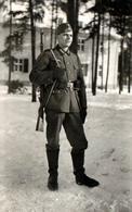 Photo Originale Soldat De La Wehrmacht En Représentation Sur La Neige Sous Le III Reich à Burgstädt Vers 1940 - Krieg, Militär